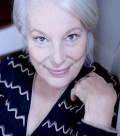 Bernadette Lafont met en voix les écrivains ayant collaborés avec Escales des lettres